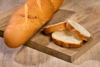 Wit stokbrood gesneden