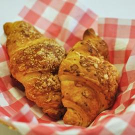 Kaas-sesam croissant